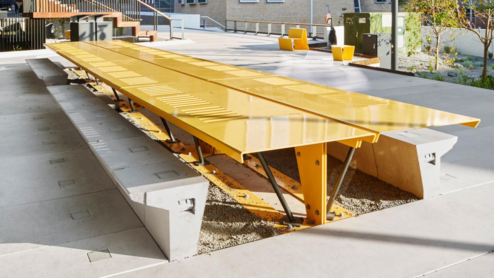 The Goods Line Sydney Designed By ASPECT Studios - Outdoor communal table